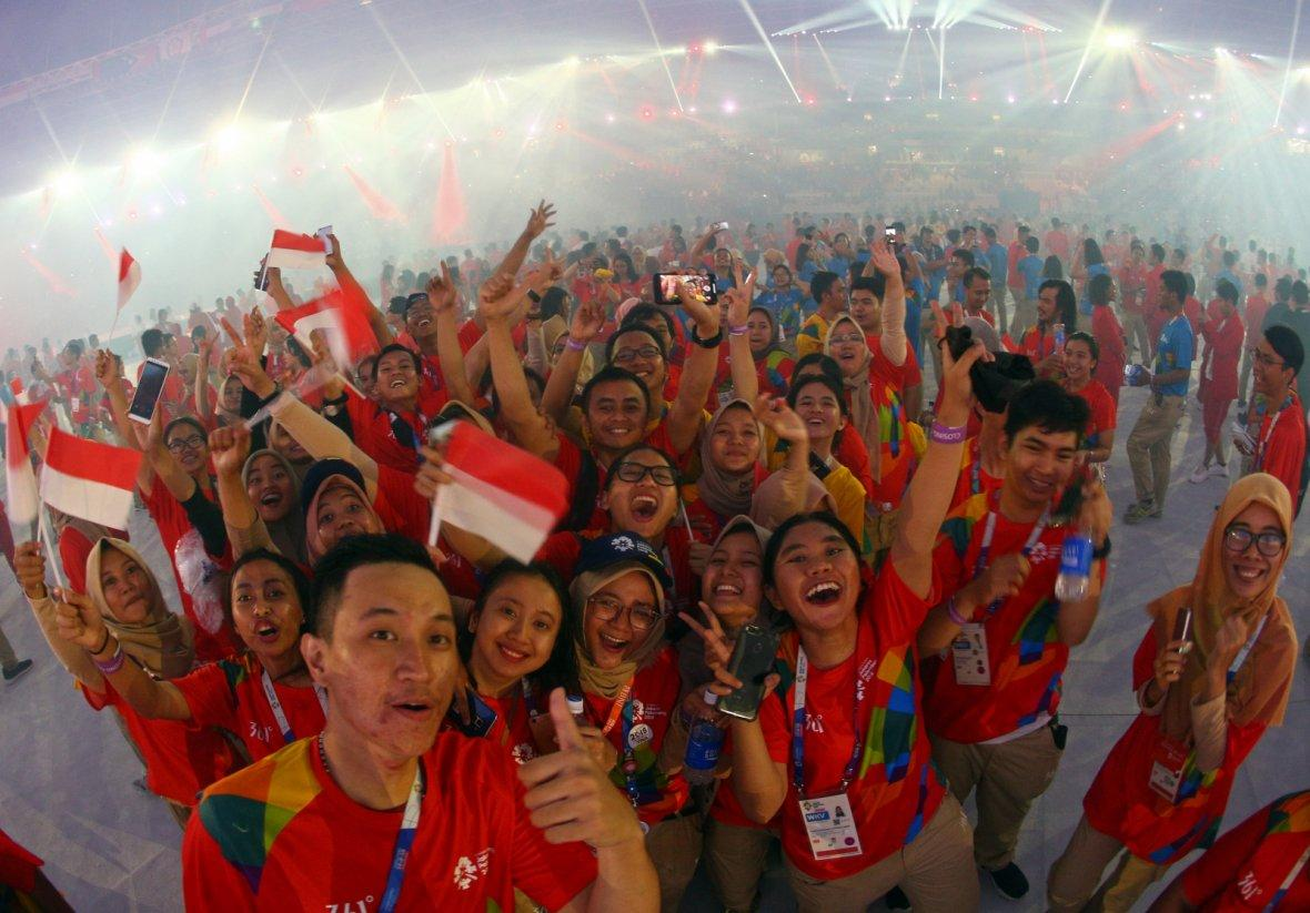 2018 Asian Games - Closing Ceremony - GBK Main Stadium - Jakarta, Indonesia - September 2, 2018 - The Indonesian delegation during the closing ceremony.