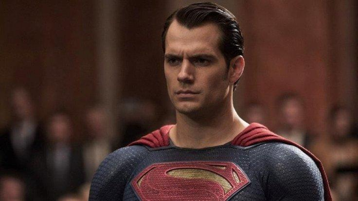 henry-cavill-is-no-longer-dcs-superman-and-fans-are-not-happy-about-it