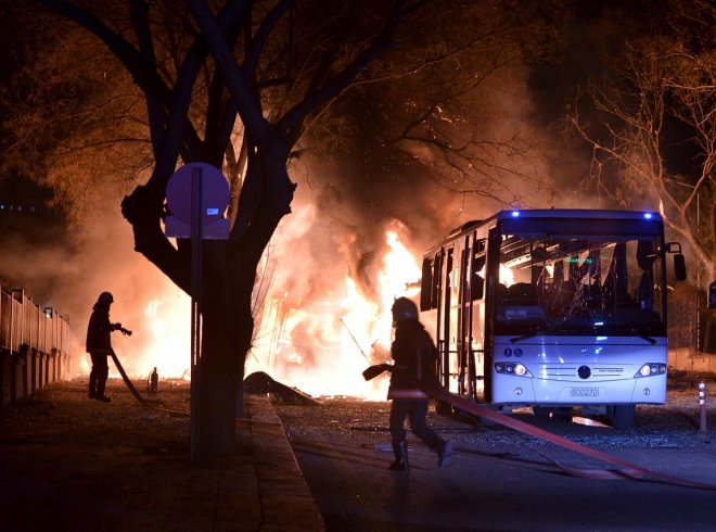 Car bomb targeting military kills 28 in Turkey