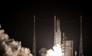 An Ariane 5 lifts off from its launchpad in Kourou, at the European Space Center in French Guiana, on October 19, 2018. - The European Space Agency's (ESA) first mission to Mercury blasts off with a trio of craft heading to the planet closest to the Sun.
