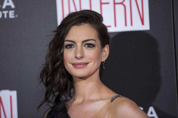 Anne Hathaway to star in film adaptation of Live Fast Die Hot