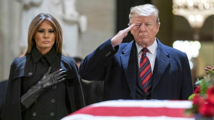 donald-trump-pays-respects-to-george-h-w-bush