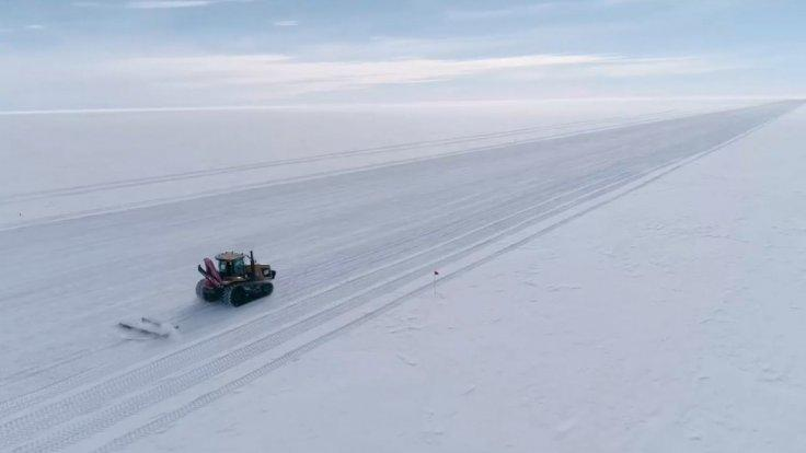 scientists-drill-3500-feet-into-antarctic-ice-to-find-a-mysterious-subglacial-lake