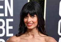 jameela-jamil-wears-jeans-under-her-dress-for-golden-globes