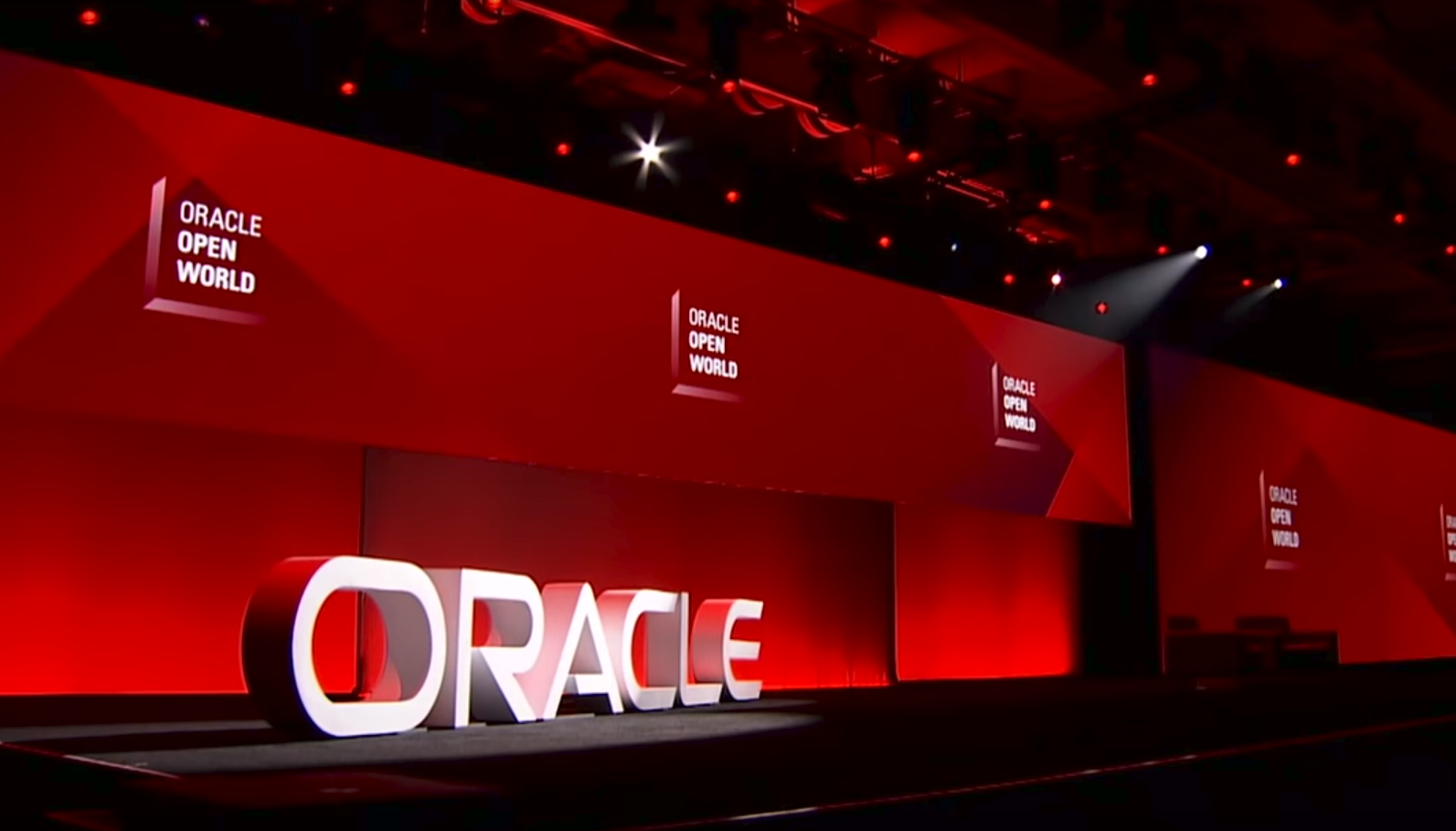 Oracle heats up cloud race with five new global data centres