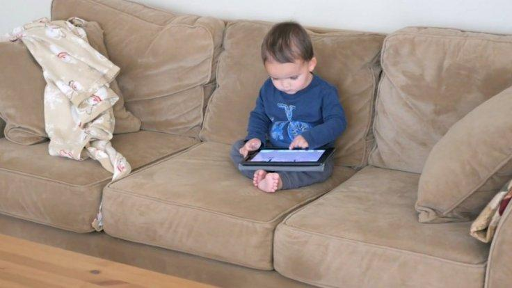 study-links-increased-screen-time-with-delayed-child-development