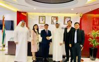 Billionaire Mai Vu Minh (in the middle) and Mr. Fahad Al Gergawi - Vice President of the World Association of Investment Promotion Agencies (WAIPA) and CEO of Dubai FDI (3rd from right) in the meeting in Dubai on January 28, 2019.