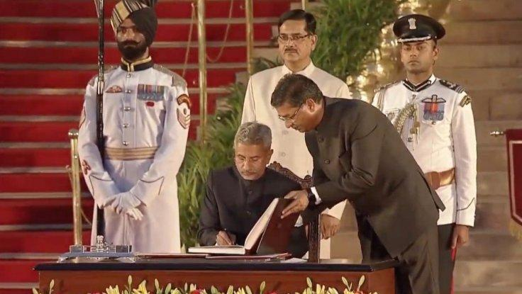 Former Foreign secretary S. Jaishankar takes oath as Union Minister at a swearing-in ceremony at Rashtrapati Bhavan in New Delhi on May 30, 2019.