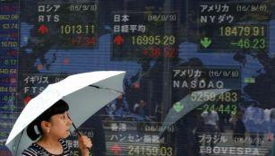 Asia stocks rise before central bank meetings, oil bounces