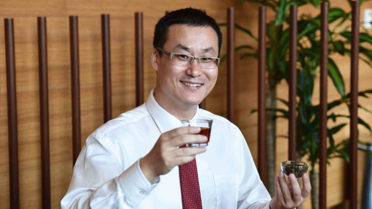 According to a study led by Asst Prof Feng Lei, drinking tea at least four times a week improves brain efficiency