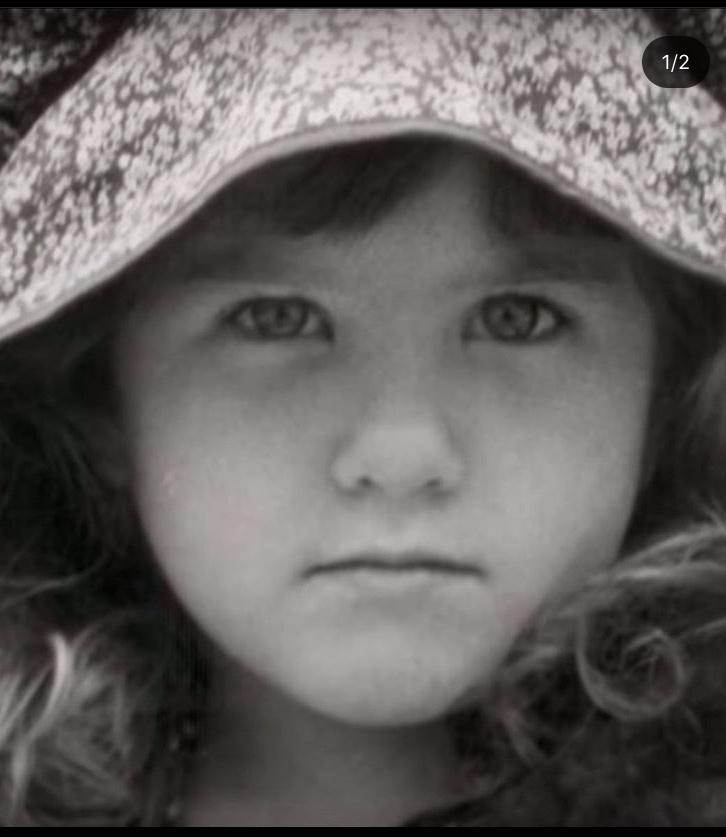 Young Jennifer Aniston