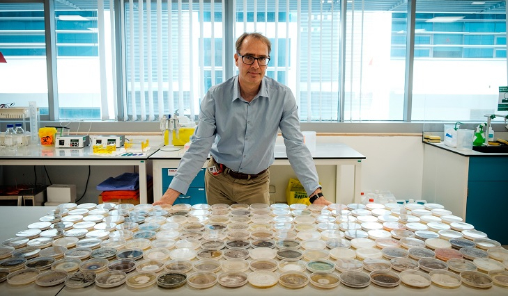 NTU genomics professor Stephan Schuster