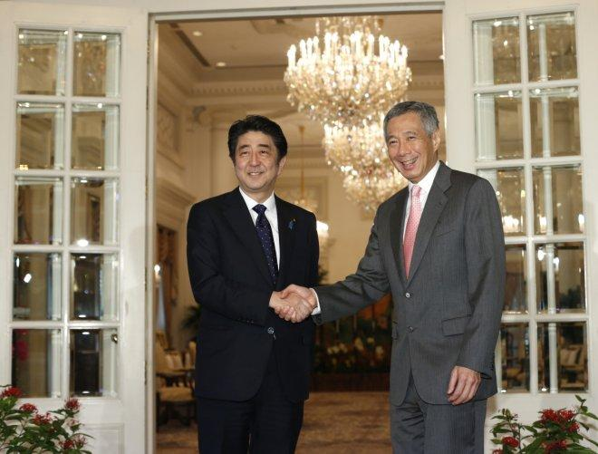 PM Lee to attend lunch hosted by Japan's Emperor Akihito, plans to meet PM Abe