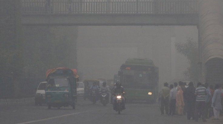 Delhi engulfed in thick smog