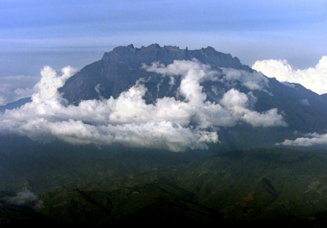 Singaporean climber falls into ravine while climbing Mount Kinabalu, believed to be dead