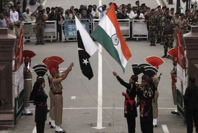 Pakistani crowd pelts stones at Indians during Beating Retreat at Wagah