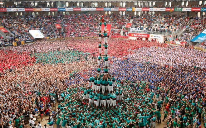 Spain human tower competition