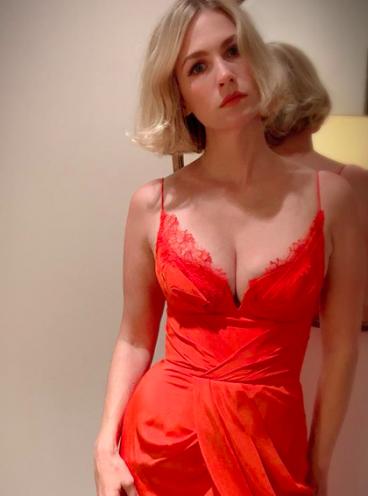 January Jones heats up Instagram in plunging lacy dress ... January Jones Instagram