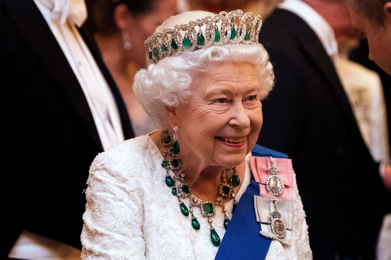 Queen Elizabeth leaves Buckingham Palace over coronavirus fear