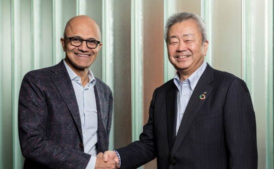 Microsoft CEO Satya Nadella (left), and Jun Sawada, President and CEO of NTT Corporation