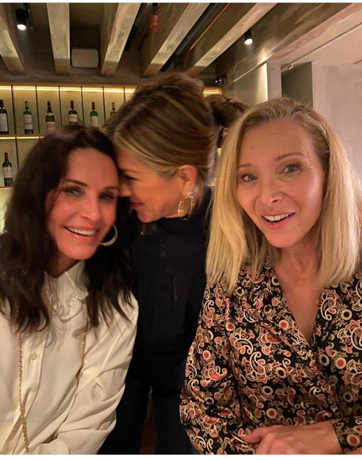 Jennifer Aniston Lisa Kudrow Courteney Cox Friends