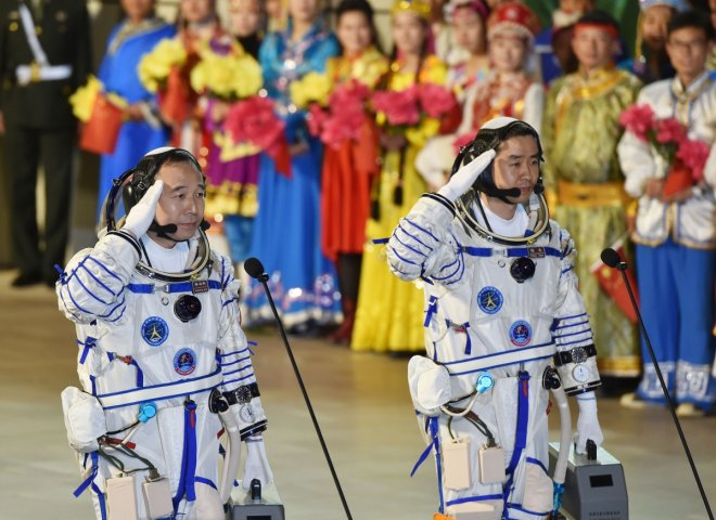 China launches manned spacecraft Shenzhou-11 into orbit