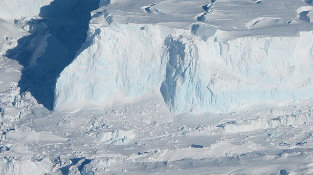 Discovery of hot water mass under Antarctica's glacier that accelerates melting