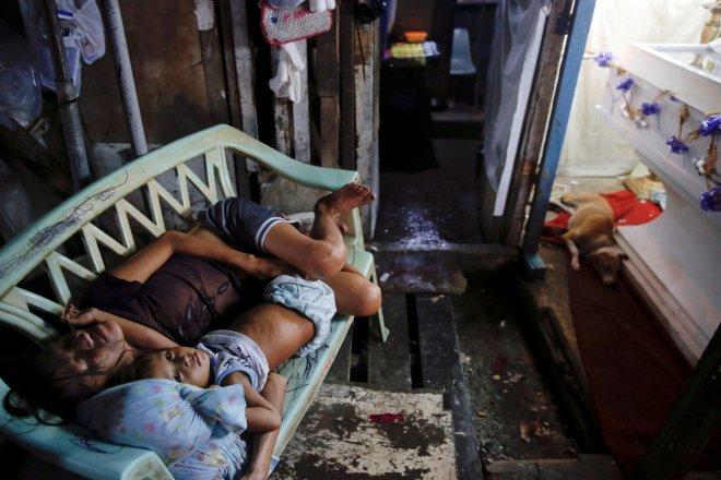 The tussle between life and death amid Philippines drug war (PHOTOS)