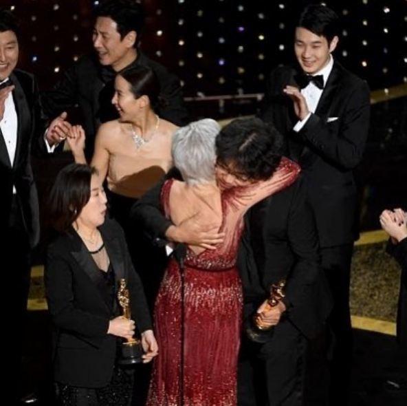 Viral Video: TMZ Insults Oscar Award Winning Parasite Cast