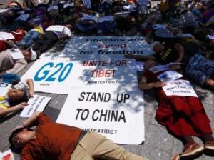 Tibetan monk beaten up in Sichuan for shouting anti-China slogans
