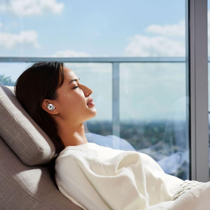Pearl wireless earbuds