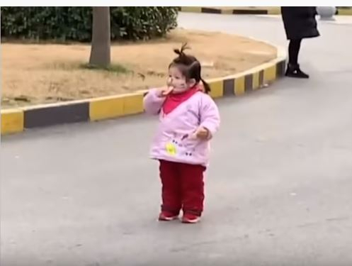 Girl eating biscuit viral