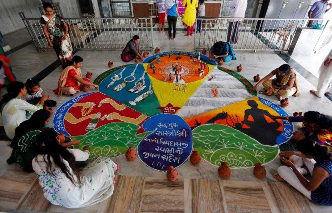 Rangoli display sets new record in Singapore amid Deepavali preparations