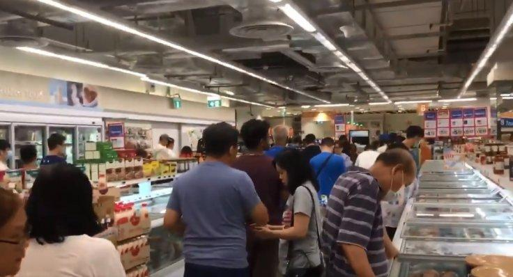 Singaporeans rushed to supermarkets