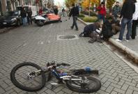 E-bike accident kills 2 men along West Coast Highway, one injured