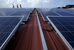 Singapore steps up alternative energy by feeding solar power into general grid