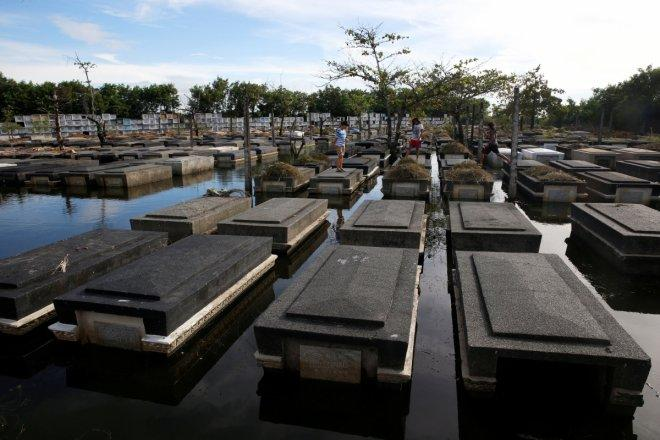 Philippines All Souls' Day 2016: Filipinos abroad can avail 'virtual cemetery' options