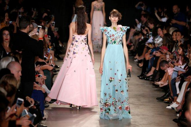 Singapore-born designer rocks the Fashion Week in Paris; here is a glimpse of the show (PHOTOS)