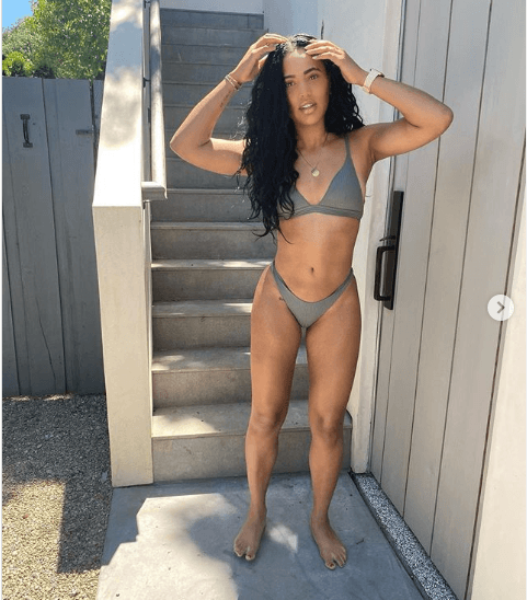 Ayesha Curry Divides Internet With Her Sizzling Swimsuit -8021