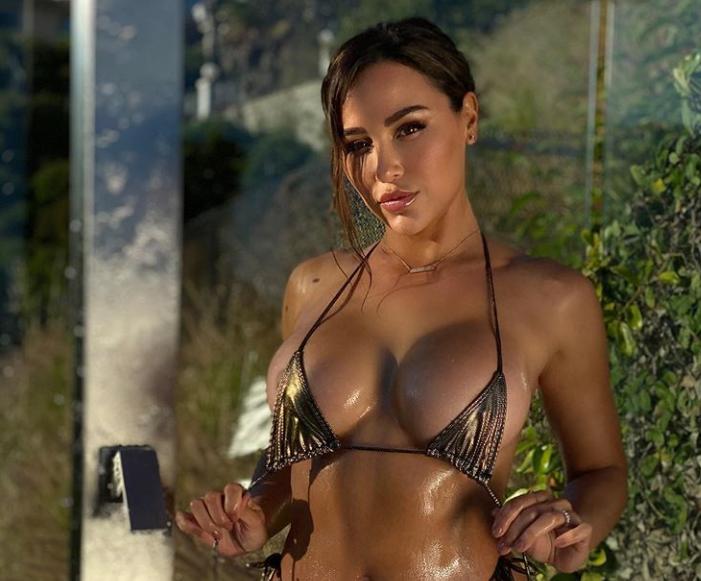 Ana Cheri shows off toned figure
