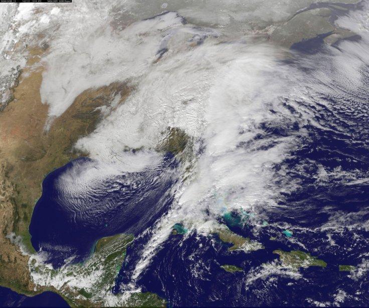 Massive snow storm hits US east coast