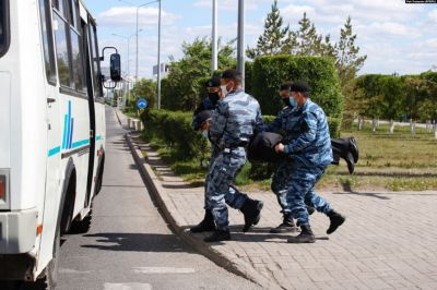 Anti-Government Protestors Detained in Kazakh