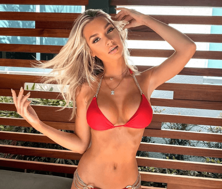 Alexa Collins Wows Fans in Tiny Swimsuit