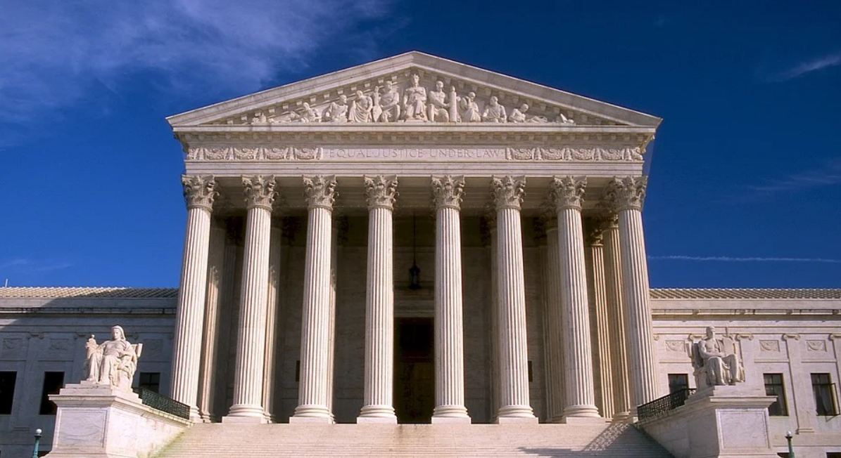 Justice Thomas Accuses Supreme Court of Dodging Gun Cases