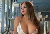 Anastasiya Kvitko Flaunts Ample Cleavage On Instagram