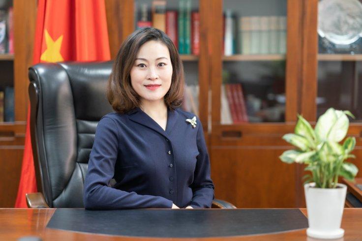 Hou Yanqi