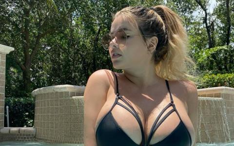 Anastasiya Kvitko Flaunts Massive Cleavage On Instagram