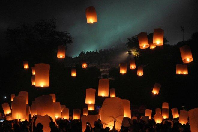 Thailand cancels, reschedules flights ahead of lantern festival