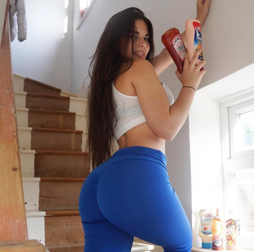 Lauren Alexis Hot