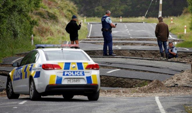 New Zealand: 7.8 magnitude Pacific Ring of Fire quake kills 2; tsunami warning raised